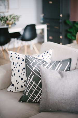 13-lark-linen-home-tour_living-room